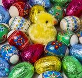被绘的和箔复活节彩蛋 库存照片