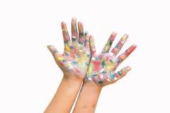 被绘的手,五颜六色的乐趣 创造性,滑稽和艺术性意味 免版税库存照片