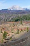 被绘的沙丘和拉森火山 免版税库存图片