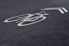 被绘的自行车车道标号 图库摄影