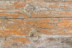 被绘的葡萄酒和风化了木板条 抽象背景自然纹理木头 库存照片