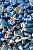被击碎的啤酒罐大量  免版税库存照片