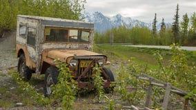 被击碎的老汽车 免版税库存图片