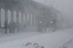被延迟的火车在冬天 免版税库存图片
