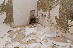 被去除的老墙纸 免版税图库摄影