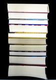 被暴露的书许多页堆积的地方 免版税库存照片