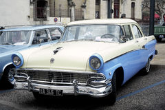 1950被暴露的老福特 免版税库存照片