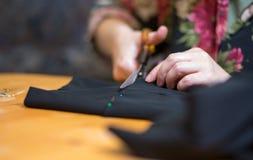 裁缝工作。 免版税库存图片