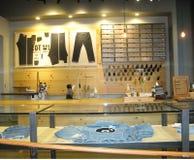 裁缝的角落在莱维商店 图库摄影