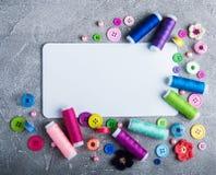 裁缝缝合的辅助部件 免版税库存照片