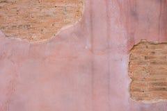 破裂的具体葡萄酒砖墙背景 文本的空间 免版税库存照片