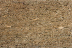 崩裂的老黑暗的木头 免版税库存图片