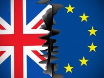 裂缝分离的英国和欧盟旗子 库存照片