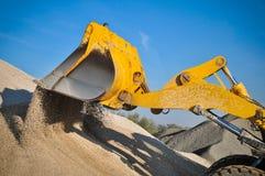 装入程序挖掘机建筑机械设备 库存照片