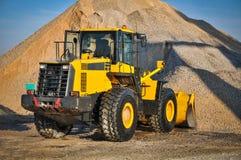 装入程序挖掘机建筑机械设备 免版税库存照片