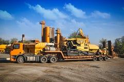 装入程序挖掘机建筑机械设备 免版税图库摄影