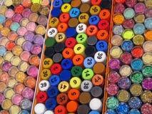 装瓶五颜六色的抽奖堆 免版税库存照片