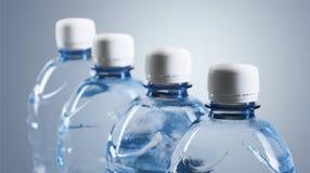 装瓶塑料水 库存照片