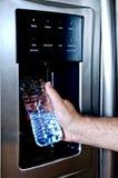 装瓶塑料重新装满 免版税库存图片