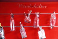 装瓶浅中央dof重点的玻璃 库存图片