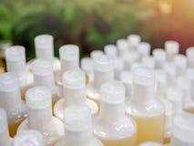 装瓶白色 免版税图库摄影