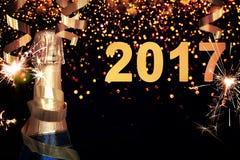 装瓶香槟 新年好 免版税图库摄影