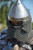 装甲和盔甲的中世纪骑士 免版税库存图片
