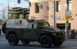装甲车GAZ-2330老虎反坦克导弹复合体Kornet 图库摄影