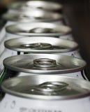 装碳酸钠于罐中 库存照片