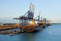 装载在全部bahama的船 免版税库存照片