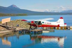 装载灌木飞机在育空 库存图片