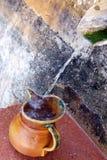 装载的水罐出现水 免版税库存照片