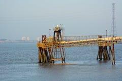 装载的码头 泰晤士河 库存图片