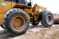 装载者巨大的轮子  免版税库存图片