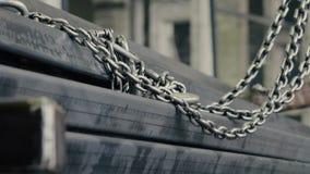 装载者的金属链子 影视素材