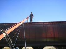 装载铁路车麦子 免版税库存照片