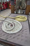 装配绳索的船 图库摄影