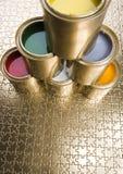 装金子于罐中 免版税图库摄影