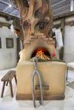 装饰传统罗马尼亚的壁炉 免版税库存照片