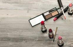 装饰化妆用品裸体在白色背景顶视图 秀丽关心化妆用品 免版税库存图片