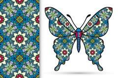 装饰华丽蝴蝶和无缝的花卉几何样式,坛场装饰品 库存照片