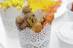 装饰叉子和刀子细节有面包的被塑造的把柄的 免版税库存照片