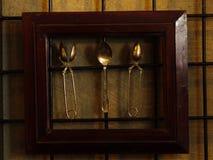装饰古色古香的厨房工具 在木头和工具构筑的匙子 库存图片