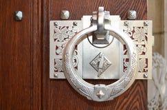 装饰古色古香的门把手 图库摄影