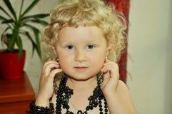 装饰品的一个女婴 免版税库存照片