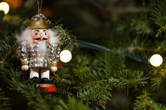 装饰品胡桃钳圣诞树宏指令 免版税库存图片