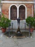 装饰喷泉在Murano,威尼斯/意大利 免版税图库摄影