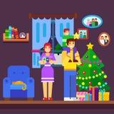 装饰圣诞树的家庭的例证 免版税库存图片