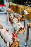 装饰圣诞老人驯鹿由木日志和分支做成 圣诞节概念 免版税库存照片