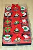装饰圣诞节杯形蛋糕 免版税图库摄影